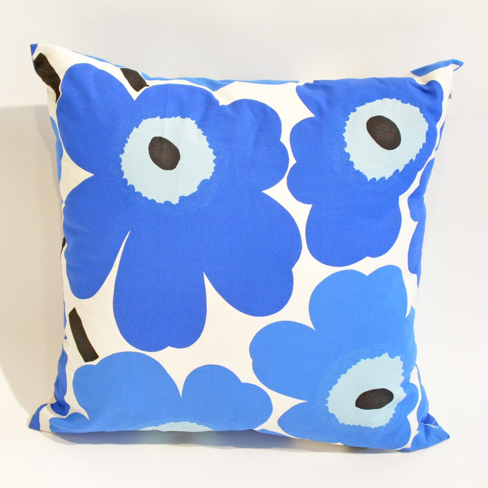pop flower pillow