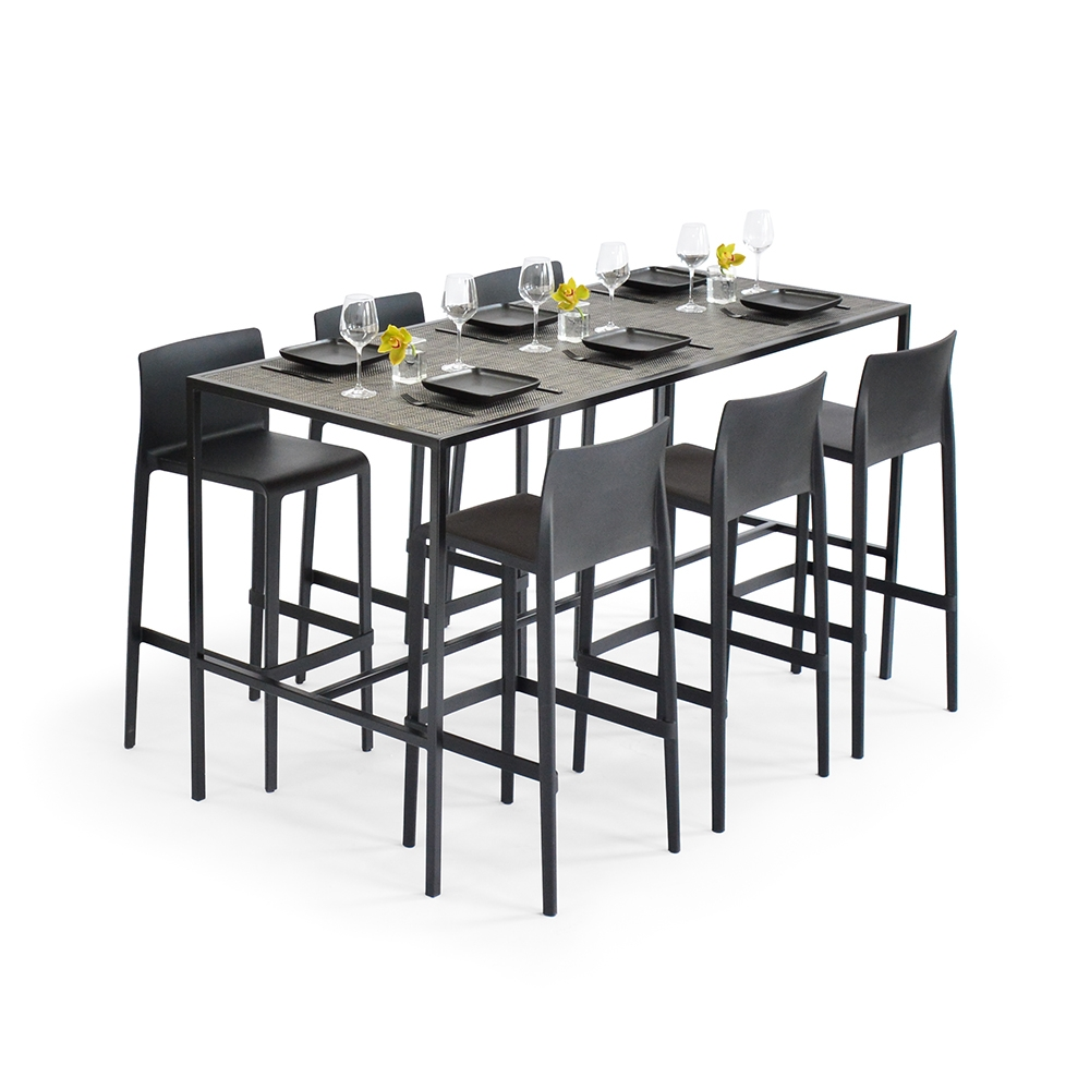 communal table - chilewich carbon