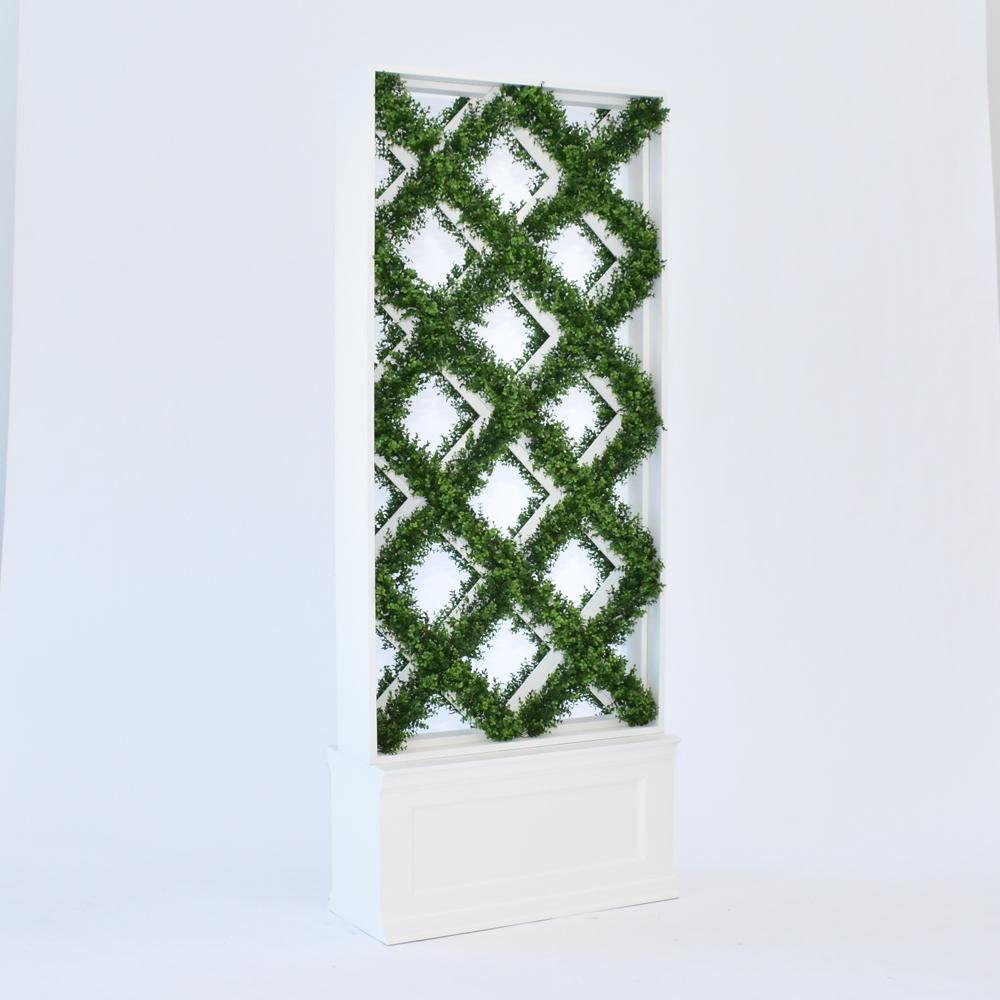 faux lattice hedge