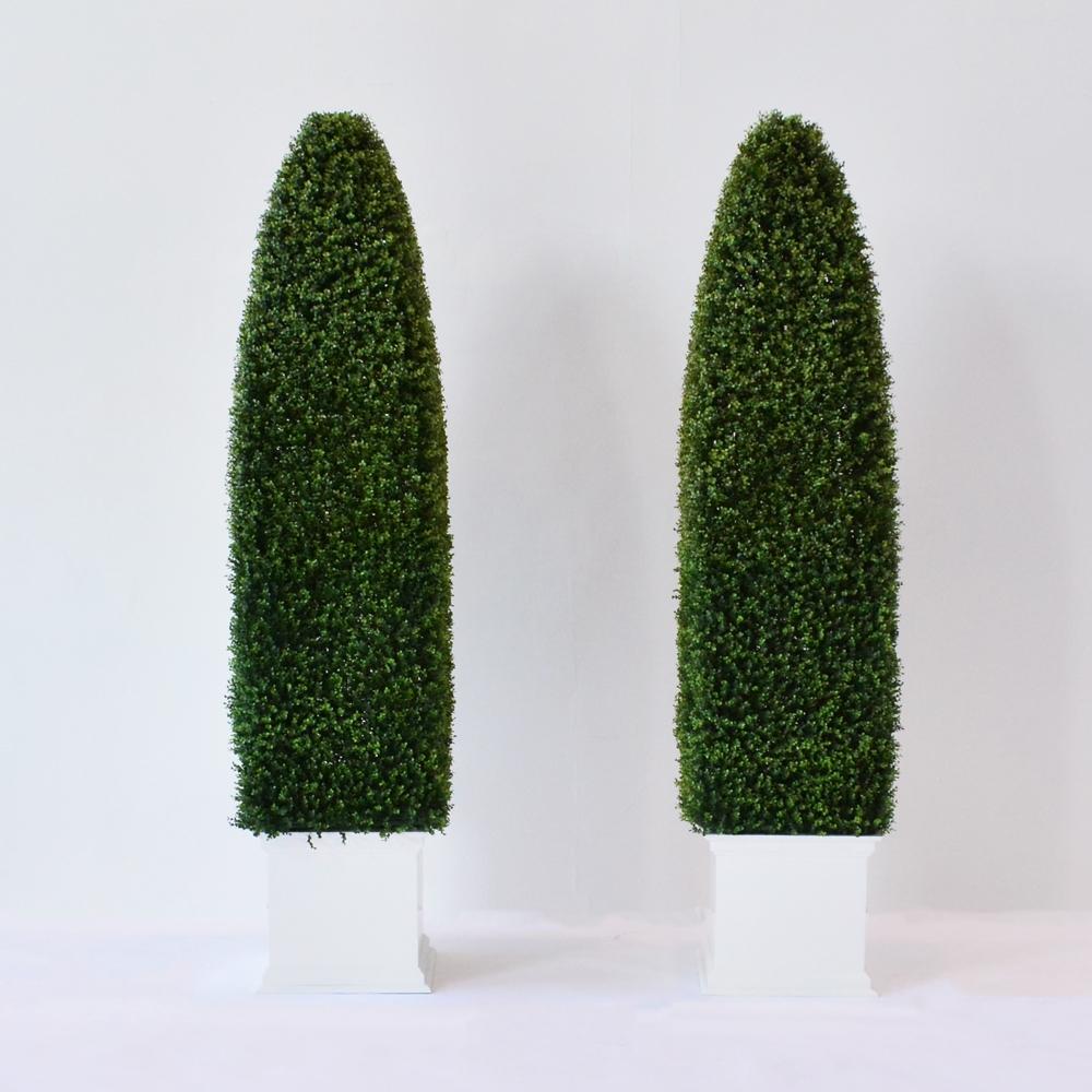 faux obelisk hedge