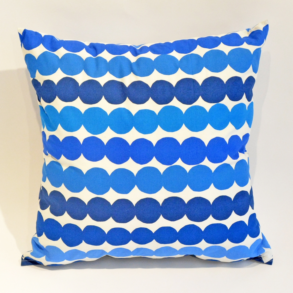 blue bubbles pillow